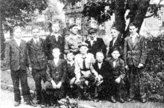 Milno. Drużyna harcerska broniąca Milna, Załoziec, Panasówki i Perepelnik.