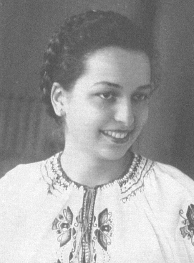 Kuty. Halina Chrzanowska 18 lat. Uprowadzona, zgwałcona ipowieszona naskraju lasu przez ludobójców zOUN-UPA.